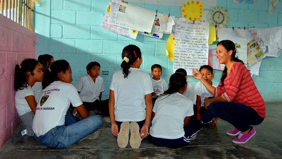 Campaña contra embarazo precoz en la Escuela Maradiaga de Tegucigalpa.
