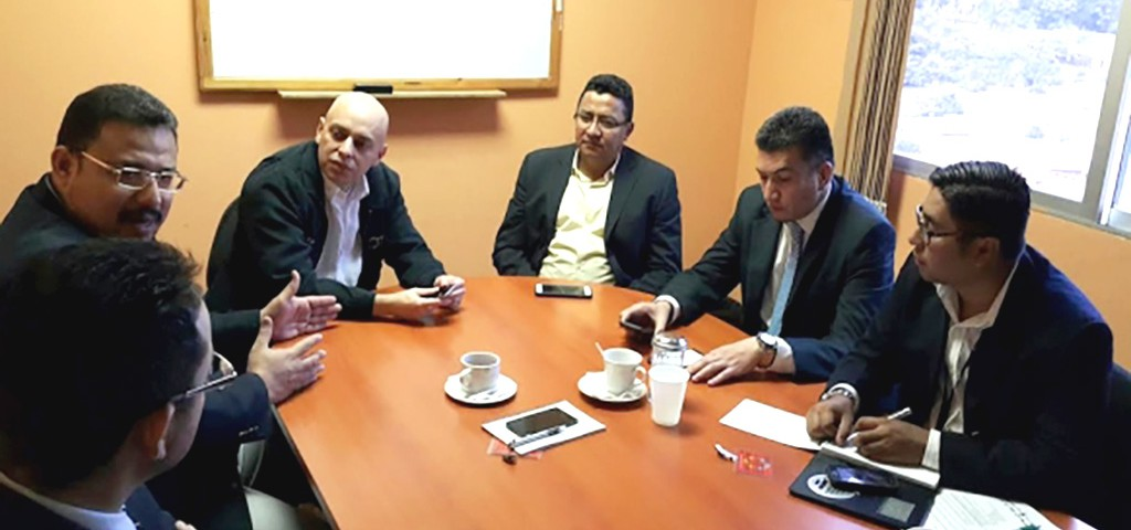 Autoridades del Ministerio Público en reunión con representantes de ASJ y APJ.
