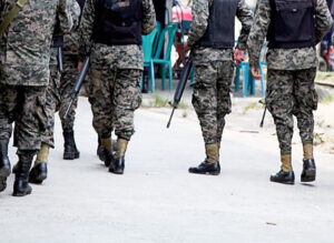 Tras siete años de impunidad, familia de joven acribillado por militar recibe justicia