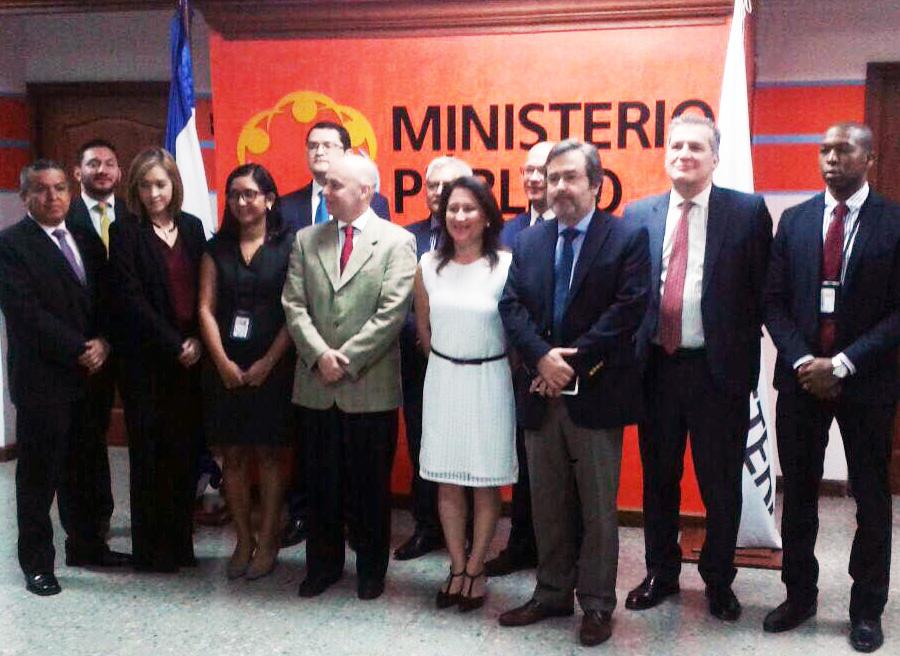 Miembros de la Comisión de Certificación de fiscales que integrarán la unidad especial.