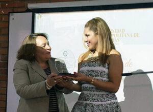 Oficial de Relaciones Públicas de ASJ recibe premio 'Orgullo Metropolitano'