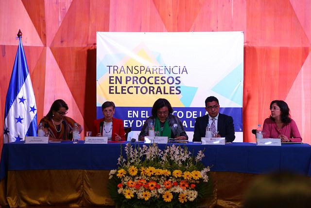 """Conferencia """"Transparencia en procesos electorales"""""""