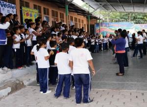 Niños vigilan su derecho a la educación con veeduría de días clase en centros escolares